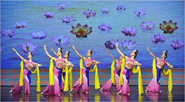 纽约时报:五千年中国音乐舞蹈尽在一台晚会中