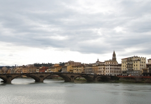 Walking past the fiume Arno (Arno River) in Florence, Italy (TK Kuo).