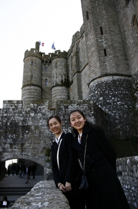 Dancers Feiyang Xie and Jade Zhan on its ramparts (AL).