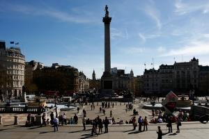 Nótese la cuenta regresiva olímpica, los autobuses de dos pisos, y el Big Ben detrás de Trafalgar Square (Annie Li).