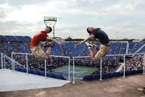 一起跳总是比一个人跳更好!谁跳的更高?