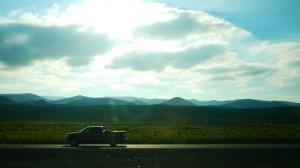 Wir sind nach Kalifornien reingekommen – der Sonnenschein, die hügelige Landschaft und der lässige Pick-up sagen schon alles. (Ben Chen, Lumix GF3)