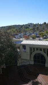 從加利福尼亞Escondido藝術中心的陽台上眺望景观,很像意大利托斯卡納的風光。(Ben Chen, Lumix GF3)