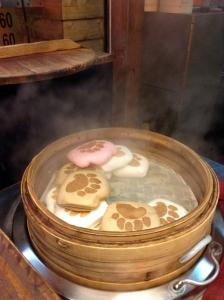 台湾の熊の手のサンドは、欧米の熊手ペイストリーや、中国の特定地域で珍味とされる熊の掌とは違う。