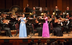 Chia-jung Lee (left) and Lana Kuscer perform A.B. Fürstenau's Rondo Brillant for two flutes and orchestra, Op.102. The concert also included Shen Yun's vocal soloists, extremely rare in their ability to use bel canto technique to sing Chinese lyrics. Here, tenor Tian Ge performs 'Hope of Returning Home.'