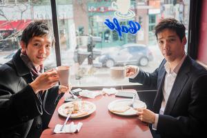 Colazione-pranzo al Paris Crêpe, nel centro di Montreal (ballerini Steve Feng, sinistra, e Yuan Ming)