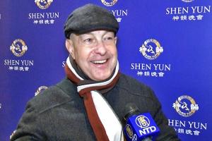 """""""Die Vorstellung war, ich würde sagen, zum Sterben gut. Es war einfach absolut phänomenal … Ich werde jedes Jahr hierher kommen!"""" – Richard Sacher, Schauspieler, sah Shen Yun in New York"""