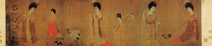 唐朝の貴族の女性。唐の時代を代表するような髪飾りをつけている。厳かで崇高で豪奢な唐の時代の宮廷の女性(と召使いたち)は、ファッションをこれまでにないレベルへと引き上げていた。