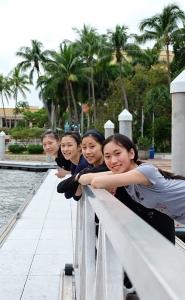 Från vänster: Dansarna Jane Chen, Grace Lin, Ellie Rao och Michelle Xu.