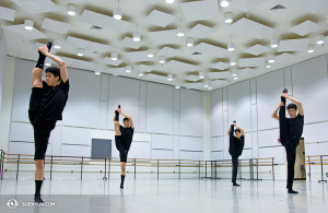 New York Company dancers prepare for a performance at Washington, DC's Kennedy Center.  (photo by dancer Kenji Kobayashi)