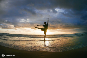 And dancer Yuan Ming got up at 5am to catch the sunrise.  (photo by dancer Ben Chen)