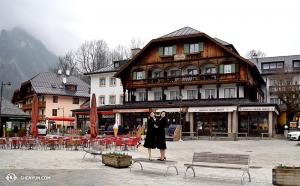 回到歐洲,神韻國際藝術團在義大利和奧地利的演出之間,來到帝王湖遊覽,據說這裏有奧地利最乾淨的水源。(攝影:舞蹈演員周璽知)