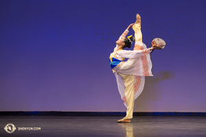 Shen Yun's Ellie Rao, who received Honorable Mention in the adult female division. Shen Yun's Kenji Kobayashi, who received first place in the adult male division.