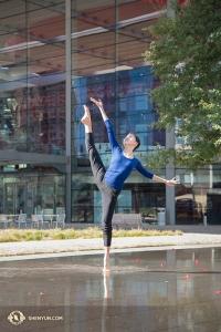 Shen Yun trad twaalf keer op in negen dagen in het AT&T Performing Arts Center, waar het weer boven de 21 graden uitsteeg, een warm welkom na weken in de Canadese winter. (Foto door Stephanie Guo)