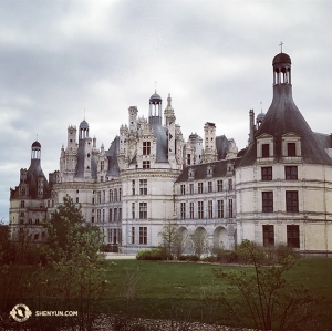 After performances in Aix-en-Provence, the group stopped at the French castle Château de Chambord. (Photo by violist Paulina Mazurkiewicz)