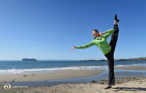 Principal Dancer Elsie Shi on the beach in Santa Barbara. (Photo by dancer Hannah Rao)