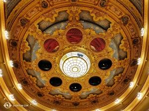 単に「リセウ」としても知られるこの劇場は1847年にオープン。1861年、1994年の二度の火災による消失を経て、1999年に再建され現在に至る。