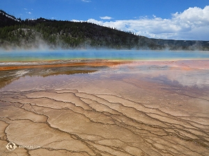 In Yellowstone, Wyoming, the third of her national parks, Kexin Li took this photo of Grand Prismatic Spring.