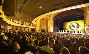 The Shen Yun North America Company performed at the elaborate Detroit Opera House in Michigan in February. Due to popular demand, one additional performance was added at the almost 100-year-old theater in Detroit's Grand Circus Park Historic District.