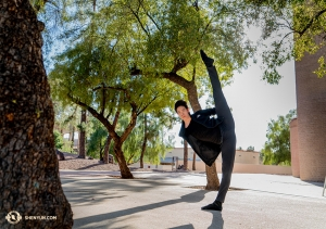Eerste danser Piotr Huang, oorspronkelijk uit Warsaw, Polen, is sinds 2010 bij Shen Yun. (Foto door eerste danser Kenji Kobayashi)