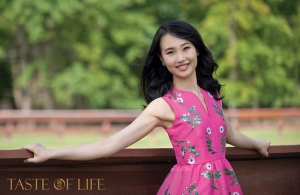 Shen Yun Dancer Susan Zhou