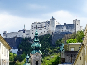 On the other side of the world, the Shen Yun New York Company visits Salzburg, Austria for two performances. The famous Hohensalzburg Castle sitting atop a hill near the theater catches our attention. (Photo by dancer Tony Zhao)