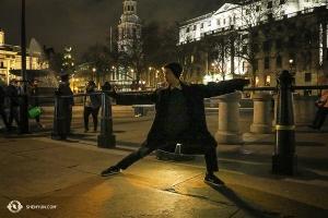 Bentrovata Londra! La World company viaggia in tutto il pianeta. Essere qui a Woking (nel Surrey, appena fuori Londra) a dare inizio al tour europeo con tre spettacoli dal tutto esaurito è una sensazione meravigliosa. (Foto del primo ballerino Nick Zhao)
