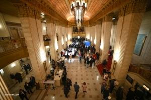 Aperta nel 1929, la Civic Opera House di Chicago ospita cinque spettacoli dal vivo di Shen Yun dal 27 al 30 dicembre. (Foto della proiezionista Annie Li)