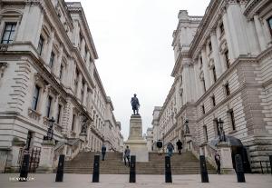 """La nostra programmazione ci concede un po' di tempo per andare in giro. Questa è la statua di Robert Clive, anche noto col nome di """"Clive d'India"""". (Foto di Monty Mou)"""