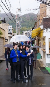 Dancers Shawn Ren, Bill Hsiung, and Leo Lee question dancer Teo Yin's tour guide instincts as they begin ascending the narrow, sloped street up to Ginkaku-ji (银阁寺)—one of Kyoto's 17 UNESCO World Heritage Sites. (Photo by dancer Ben Chen)