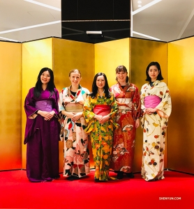 Our performers blend in naturally in Kyoto. The five authentic-looking ladies are pipa player Miao-Tzu Chiu, violist Paulina Mazurkiewicz, cellist Jia-Jhen Wu, oboist Leen De Blauwe, and emcee Kohima Chisato (L to R).