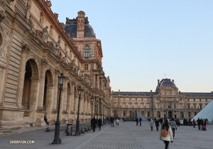 Located in the city's center, the Louvre is visited by about 15,000 people every day. (Photo by dancer Nick Zhao)