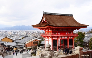 Overlooking Kiyomizu Temple. (Photo by Jun Liang)