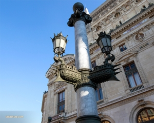 Even the street lights are exquisite in Paris.