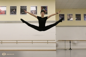 Dancer Scott Xu takes a turn. (Photo by Nick Zhao)