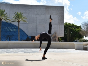 Dancer Fadu Chen warms up in more ways than one. (Photo by Kaitlyn Chen)