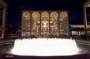 After performing in Pittsburgh and before heading back to headquarters in New York, Shen Yun Touring Company manages to catch Shen Yun New York Company performing at Lincoln Center in Manhattan. (Photo by Daniel Jiang)