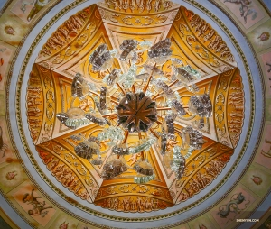 Look up! Even the ceiling is beautifully decorated. (Photo by Tony Zhao)