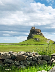 England's 16th-century Lindisfarne Castle atop Holy Island's highest point. (Photo by Victoria Zhou)