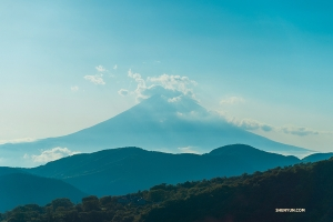 Next stop: Fuji-san. (Photo by William Li)