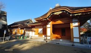 Дворец Хоммару в замке Нагоя был построен более 400 лет назад во времена войны самураев. Это пример одного из лучших стилей самурайской архитектуры. (Фото: Евгений Резник)