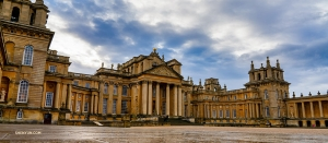 Meanwhile, on a rainy day back in the U.K., Shen Yun International Company stops to explore Blenheim Palace, one of the largest homes in England.