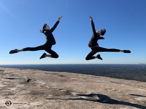 Soaring dancers Ba Xun and Kaidi Wu. (Photo by Amber Liu)