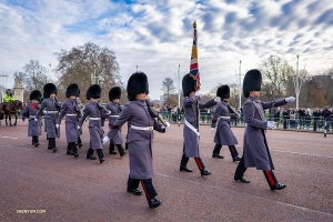 The Changing of the Guards in front of Buckingham Palace draws a lot of attention. These fully operational soldiers hold a 45-minute ceremony when the new group of guards takes over.