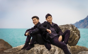 Dancers Sam Pu and Ji-Sung Kim take advantage of the picturesque surroundings.