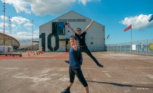 New Zealand sunshine makes dancers very happy.  (Photo by Monty Mou)