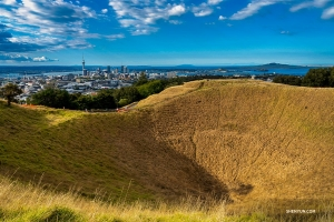...To the Mount Eden Volcanic Crater! (Photo by Tony Xue)